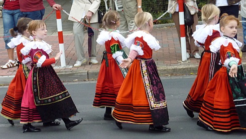Traditional British Clothing Incredible Ladies